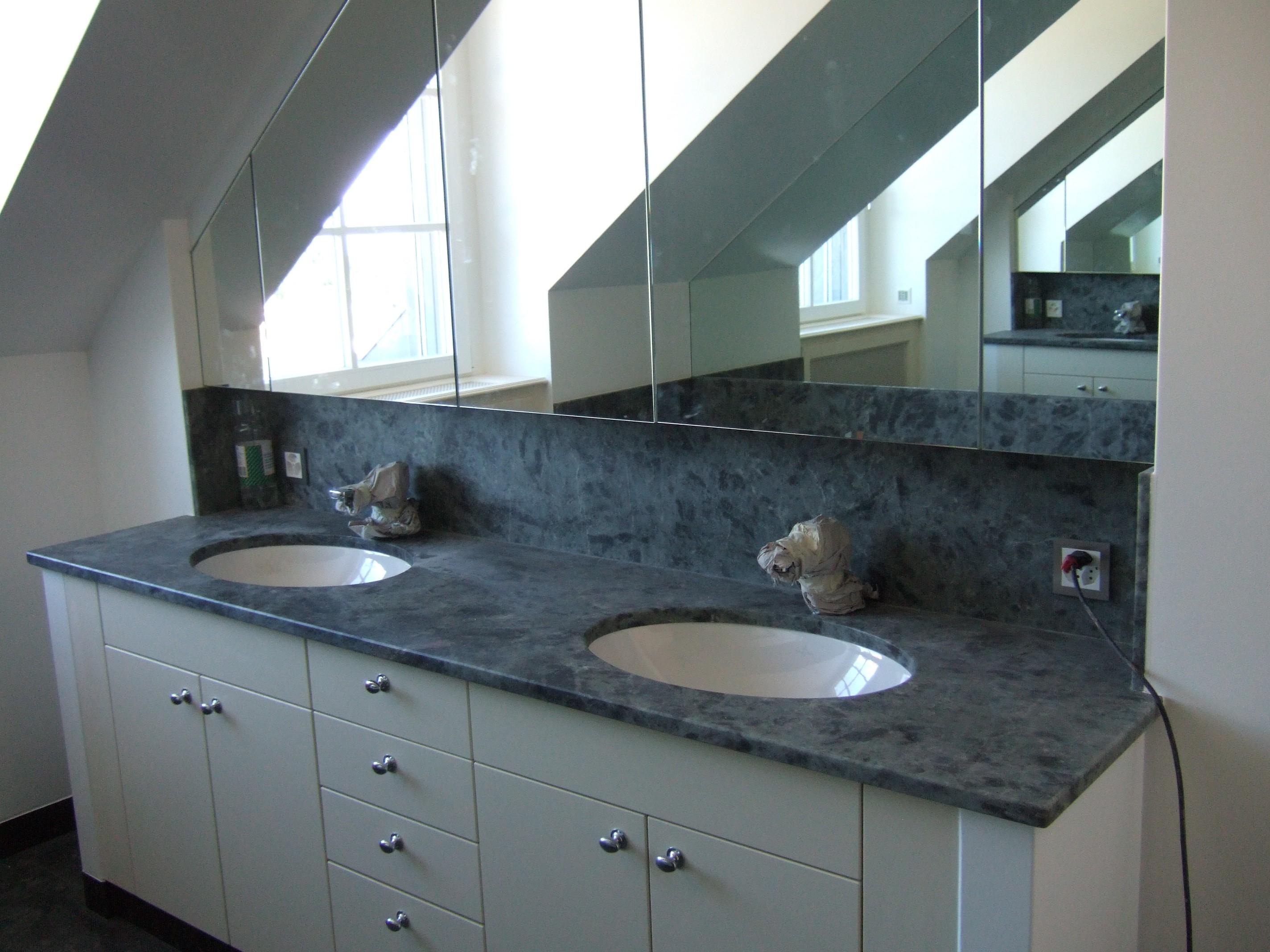 marbrerie granit design s rl plan de travail en granit. Black Bedroom Furniture Sets. Home Design Ideas
